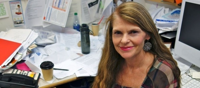 La Profesora de biología Allison Kermode ha aprendido a utilizar el ADN para controlar el sistema de reciclaje de las células de maíz. La investigación es importante.